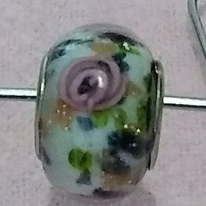"Glass Bead, NWOT, ""Not Pandora"" Flower Pattern"